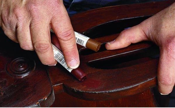 10 cách loại bỏ và làm kín vết trầy xước trên bàn ghế gỗ nhất định bạn phải biết